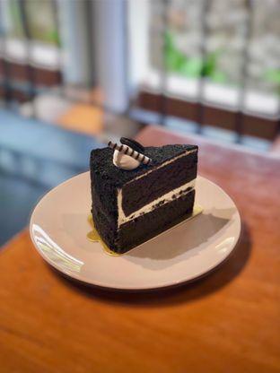 Foto 2 - Makanan(Oreo Cake) di Bellamie Boulangerie oleh Fadhlur Rohman