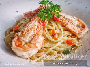 Foto 9 - Makanan(Spaghetti Prawn Aglio Olio) di Thirty Three by Mirasari oleh Yummy Eats