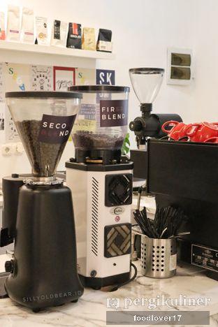 Foto 15 - Interior di Saksama Coffee oleh Sillyoldbear.id