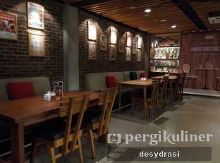 Foto 5 - Interior di Everjoy Coffee & Cafe - Hotel Ivory oleh Desy Mustika