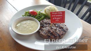 Foto 3 - Makanan(Buddy Special Steak) di Steak Hotel by Holycow! oleh JC Wen