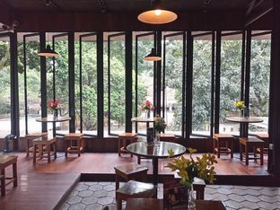 Foto 1 - Interior di The Place oleh yudistira ishak abrar