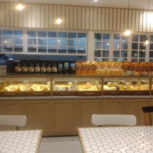 Foto 8 - Interior di Barby's Bakery & Cafe oleh Fensi Safan
