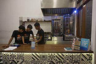 Foto 18 - Interior di Emado's Shawarma oleh yudistira ishak abrar