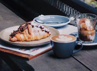 Ada Banyak Cara Menikmati Croissant, Kamu Termasuk yang Mana?