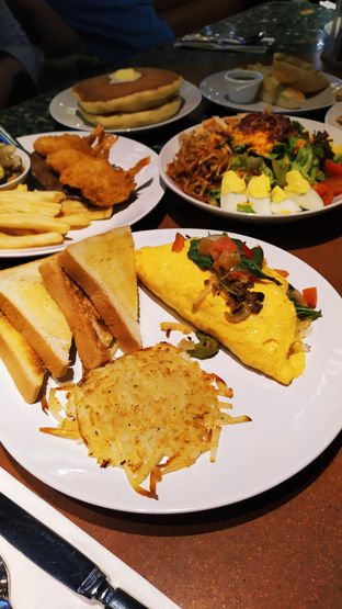 Foto review Denny's oleh Ro vy 6
