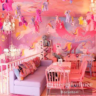 Foto 2 - Interior di Miss Unicorn oleh Darsehsri Handayani