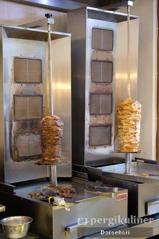 Foto 4 - Interior di Emado's Shawarma oleh Darsehsri Handayani