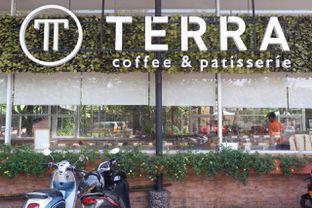 Foto 10 - Interior di Terra Coffee and Patisserie oleh yudistira ishak abrar