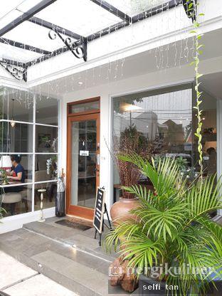 Foto 5 - Eksterior di Caffeine Suite oleh Selfi Tan