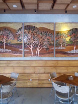 Foto 2 - Interior di Kopi Warga oleh Chris Chan