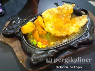 Foto - Makanan di Waroeng Steak & Shake oleh Debora Setopo