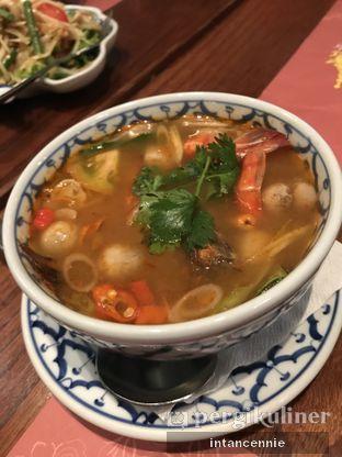 Foto 4 - Makanan di Jittlada Restaurant oleh bataLKurus