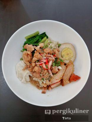 Foto 3 - Makanan di Mie Ayong Siantar oleh Tirta Lie