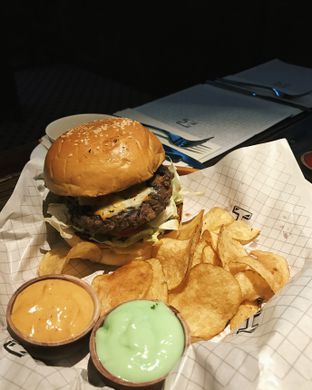 Foto 2 - Makanan((H) Stack) di H Gourmet & Vibes oleh Claudia @claudisfoodjournal