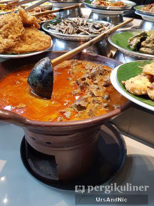 Foto 3 - Makanan di Nasi Kapau Juragan oleh UrsAndNic