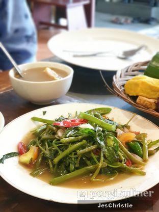 Foto 2 - Makanan(Tumis Kangkung) di Lembur Kuring oleh JC Wen