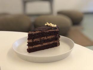 Foto 3 - Makanan(Choco Sea Salt Cake) di Samakamu Kopi oleh feedthecat