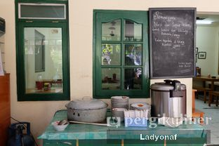 Foto 10 - Interior di Warung Mak Dower oleh Ladyonaf @placetogoandeat