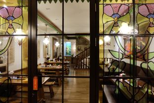 Foto 2 - Interior di Soto Betawi Bang Sawit oleh Yuni