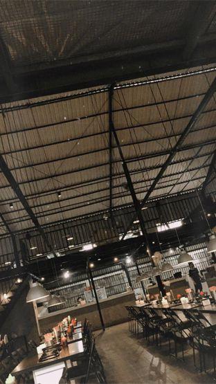 Foto 3 - Interior(Ini tampak tempatnya,kalo hri libur tempat ini rame dan lantai 2nya dibuka,klo hari biasa lantai 2nya ga dibuka) di PSY Steamboat Yakiniku oleh oktavia nabilah