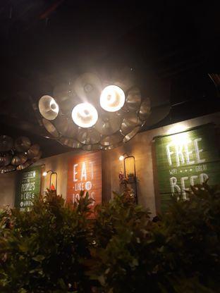 Foto 5 - Interior di The People's Cafe oleh Mouthgasm.jkt