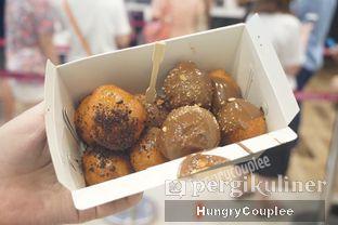 Foto 1 - Makanan di Lukumades oleh Hungry Couplee