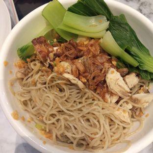 Foto 3 - Makanan(Chicken noodle) di Garage Cafe oleh duocicip