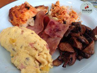 Foto review Damar Restaurant - Pullman Ciawi Vimala Hills Resort oleh awakmutukangmakan 14