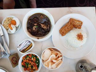 Foto 5 - Makanan di The Pavilion - JW Marriott Hotel Surabaya oleh Amrinayu