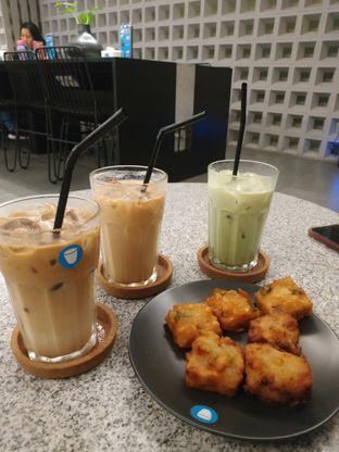 Foto 2 - Makanan di YOMS Pisang Madu & Gorengan oleh RatnaYuliana