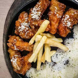 Foto 1 - Makanan(Chicken Wings with Fries + Mozzarella) di Go-Chew oleh Kuli Jajan