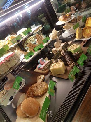 Foto 4 - Interior di Starbucks Reserve oleh Lid wen