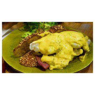 Foto 3 - Makanan(Egg Benedict ) di Bellamie Boulangerie oleh Novita Purnamasari