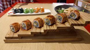 Foto 1 - Makanan(Falming Salmon Roll) di Tokyo Belly oleh Ratu Aghnia
