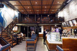Foto 13 - Interior di Blue Lane Coffee oleh yudistira ishak abrar