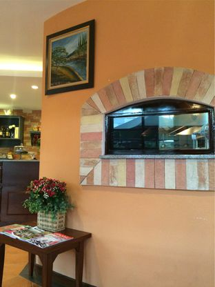 Foto 3 - Interior di Signora Pasta oleh katakaya