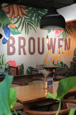 Foto 12 - Interior di Brouwen Coffee & Kitchen oleh Prido ZH