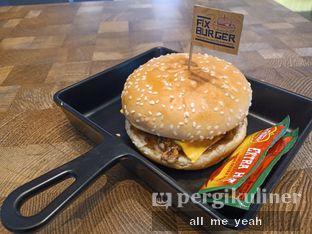 Foto 2 - Makanan di FIX Burger oleh Gregorius Bayu Aji Wibisono
