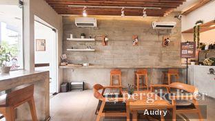 Foto 7 - Interior di Cotive oleh Audry Arifin @makanbarengodri