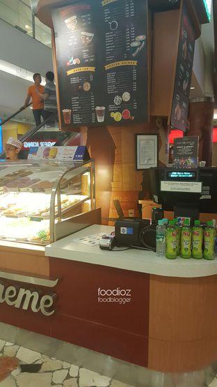 Foto 3 - Interior di Krispy Kreme oleh IG: FOODIOZ