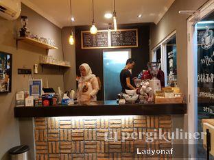 Foto 2 - Interior di Nongkee Coffee oleh Ladyonaf @placetogoandeat