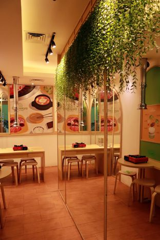 Foto 7 - Interior di Deuseyo Korean BBQ oleh @christianlyonal