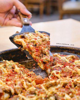 Foto 1 - Makanan(Black Meat Monsta) di Pizza Hut oleh @kulineran_aja