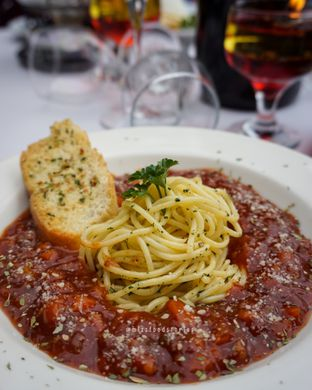 Foto 6 - Makanan di Maximo Resto & Garden - Puri Setiabudhi Residence Hotel oleh @mizzfoodstories