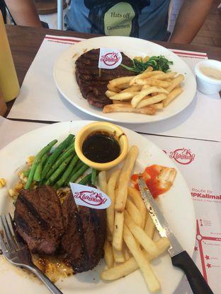 Foto - Makanan di Holycow! STEAKHOUSE by Chef Afit oleh zharfanqd