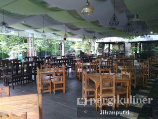 Foto 5 - Interior di Tree House Cafe oleh Jihan Rahayu Putri
