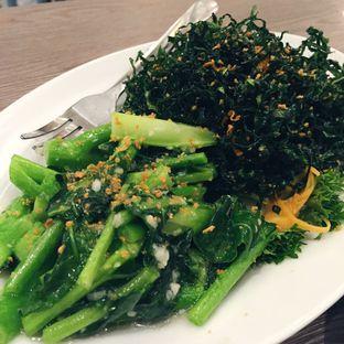 Foto 2 - Makanan(Two Flavours Kailan) di Hong Kong Cafe oleh Magdalena Fridawati