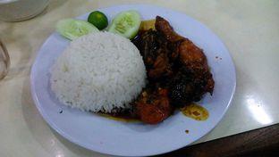 Foto 2 - Makanan di Resto Mie Ayam Berkat oleh Eunice