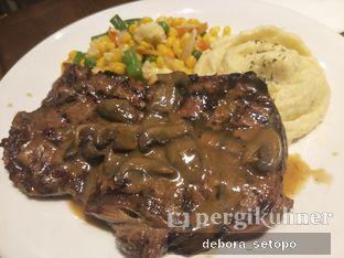 Foto 3 - Makanan di Abuba Steak oleh Debora Setopo